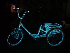 Man - LED Montreal